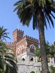 Clicca sull'immagine per ingrandirla  Nome:  Castello_Albertis_Genova.jpg Visite: 450 Dimensione:  30.5 KB