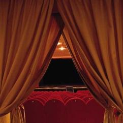 Nome:  teatro.jpg Visto: 403 Taglia:  45.4 KB